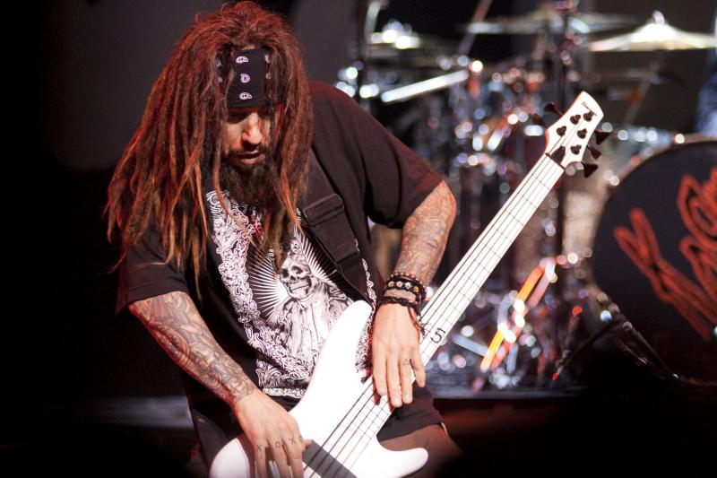 who's your favourite member of Korn? Any answer that isn't Fieldy is wrong.